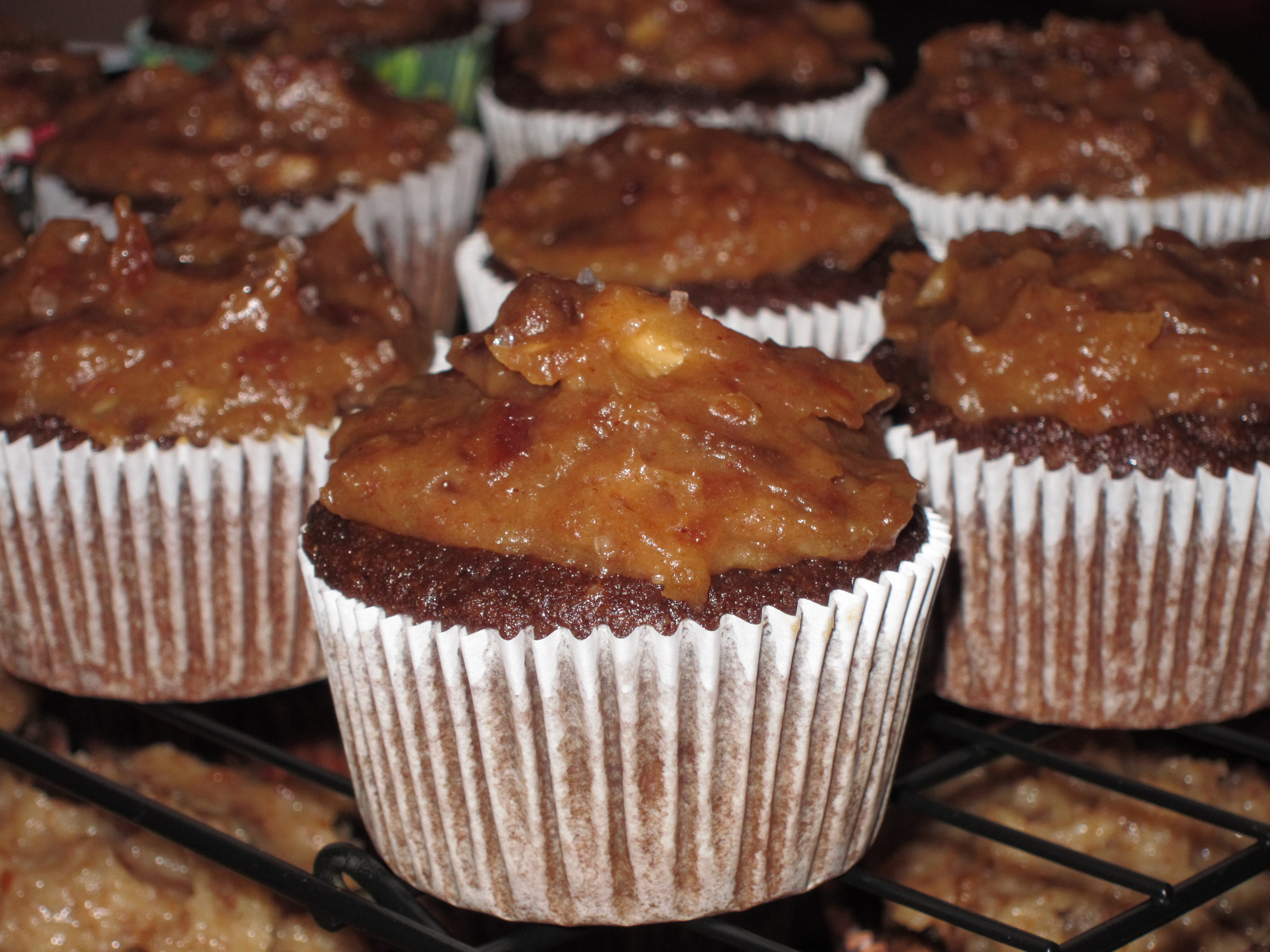 Paleo Chocolate Cupcakes with Salted Caramel Frosting – The Sassy ...