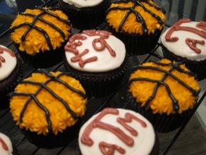 Aggie Basketball Cupcakes